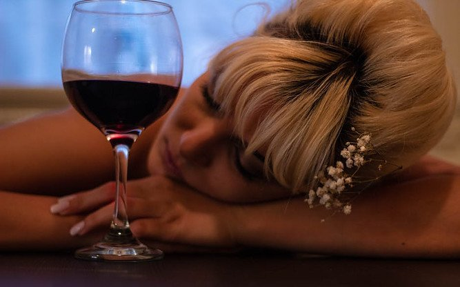 Can Alcohol Cause Upper Abdominal Pain or Stomach Pain?