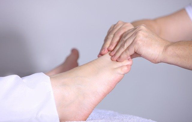 Best Essential Oils for Corns and Bunions